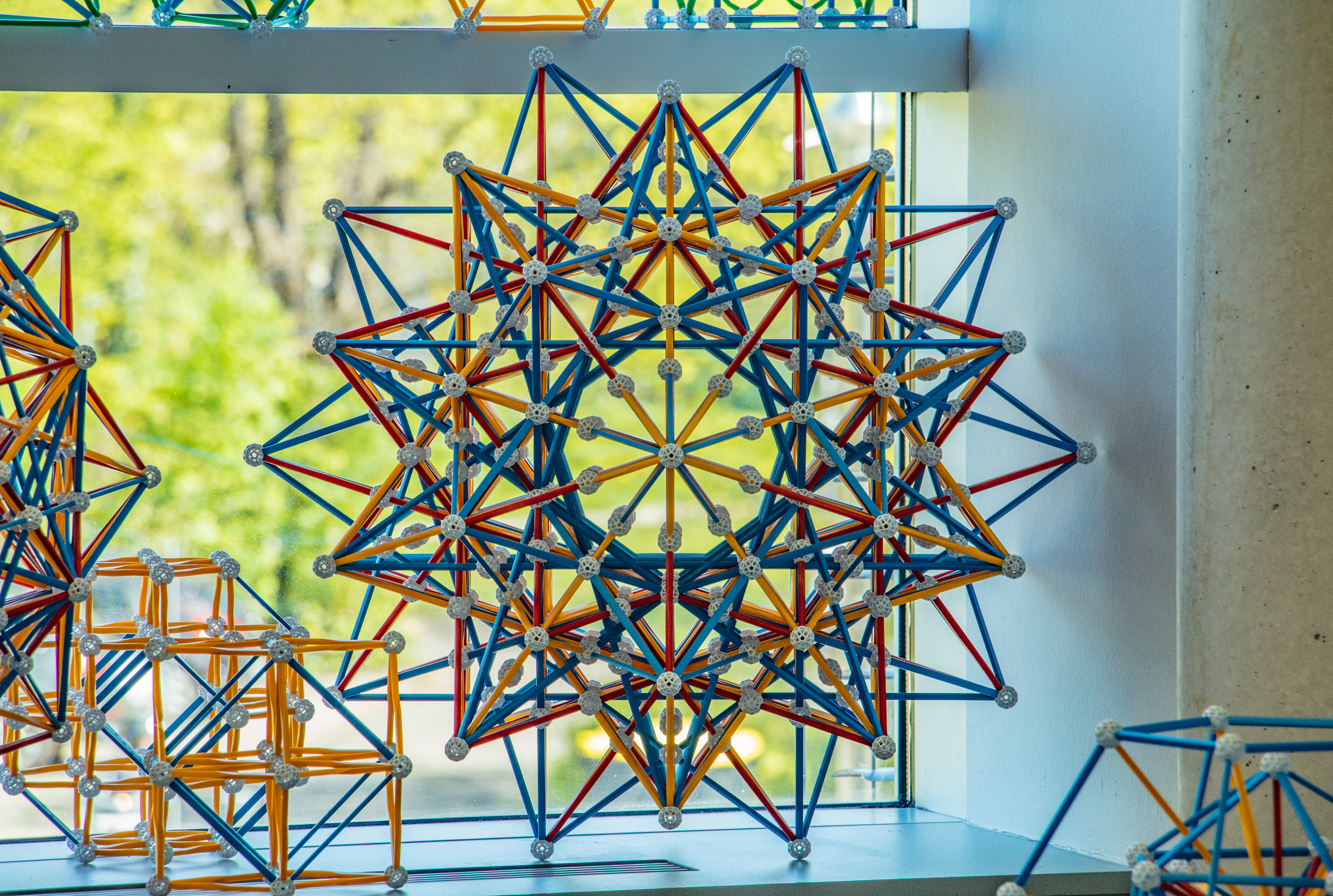 Polytopes The Circuit Is Arranged So That By Symmetry When It Follows 24a This Model Represents Vertex First Projections Of Four Schlfli Hess Polychora Share Same Edge Arrangement Grand 600 Cell